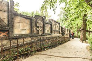 Replika himalájské zdi v Lešné v ZOO Zlín - Bamboodesign