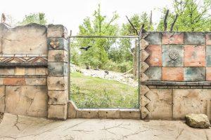 Detail repliky himalájské zdi ze stříkaného betonu v Lešné v ZOO Zlín - Bamboodesign